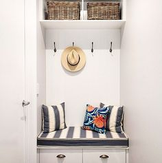 A mud room for your entry, a perfect storage solution we do in many of our #hamptons #style #homes. #hamptonhomes #hamptonsstyle #customdesign #brisbanebuilder #bulimba @queenslandhomes #instalove #queenslandhomes #mudroom #customcabinetry