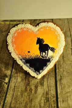 Horse in sunset By A ja to pierniczę… Horse Birthday, Birthday Cup, Cowboy Birthday, Birthday Cake Girls, Birthday Cakes, Cowgirl Cakes, Western Cakes, Valentines Day Cakes, Valentine Cookies