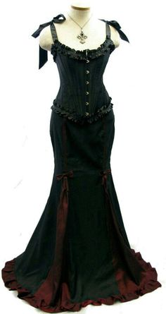 Gothic Dress, Gothic Outfits, Gothic Lolita, Victorian Gothic, Gothic Corset, Gothic Steampunk, Gothic Girls, Pretty Outfits, Pretty Dresses