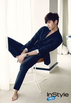 GUY CANDY: Lee Jong Suk models Fall fashion on the streets of New York