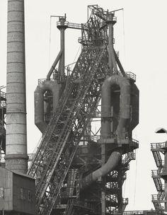 Bernd und Hilla Becher: Duisburg Ruhrort, 1963. Silbergelatineabzug, 55 x 45 cm  © Bernd und Hilla Becher, 2010