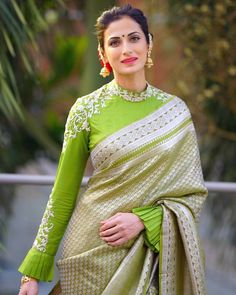 """The Fab Fashion Closet on Instagram: """"Saree by @shilpareddyofficial . . #saree #indianoutfit #indianwomen #traditional #silksarees #hairstyle #blouse #weddinglook…"""""""