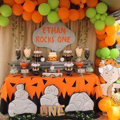Bamm-Bamm Inspired for Ethan's Birthday! Bamm-Bamm Inspired for Ethan's Birthday! Halloween 1st Birthdays, Halloween First Birthday, Baby Boy 1st Birthday Party, Twin Birthday Parties, 1st Birthday Themes, First Birthday Decorations, Twins 1st Birthdays, Birthday Ideas, Birthday Cake