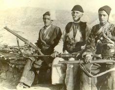 Fighters of Assyrian Tyari tribe in Iraq (picture from Tyareh Blog).