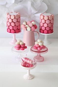 Love this pink ombre macarons dessert table #birthday #party #shower