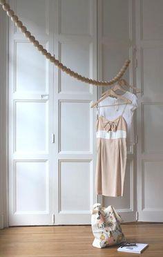 Inspiration : tringle à vêtements en perle de bois