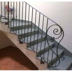 RINGHIERA Ferro Battuto . Realizzazioni Personalizzate . 033 Deck Steps, Stair Railing Design, Banisters, Custom Design, Stairs, Iron, Interior Design, Garden, Home Decor