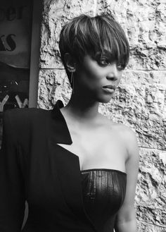 Tyra Banks - The America's Next Top Model host recently took to Twitter to debut her hot new 'do.