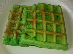 Home Cooking with Thuy: Coconut Pandan Waffles