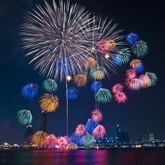 Fireworks in Han River(Seoul, South Korea)