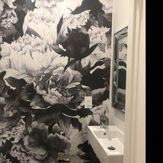 Bathroom is not commonly associated with wallpapers, but may be! Just look how amazing the Gray Peony removable wallpaper looks like in here! #walldecor #bathroomdecor #bathroomideas #bathroomwall #wallpaper #wallmural #Mural #murals #muraldecor #bathroom #homedecor #homedesign #homeideas #interiors #peelandstick #removable