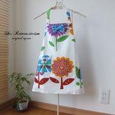 *レトロフラワーエプロン白(三角巾付き)*110〜120cm