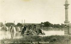 Le pont Pasteur s'étend sur 225 mètres entre le quai Perrache et la place Antonin-Perrin. Il est ainsi nommé en hommage au savant Louis Pasteur. Sa construction, pour soutenir le développement de Gerland, fut projetée avant la Première #Guerre mondiale mais ralentie par celle-ci. Le #pont n'est achevé qu'en 1923 mais à la fin de la Deuxième Guerre mondiale les allemands le bombardent le 1er septembre 1944, pour assurer leur fuite et ralentir les alliés #numelyo #WW2 #2GM #Lyon Lyon, Occupation, Louis Pasteur, Ainsi, Place, Construction, September 1, Beginning Sounds, German Men