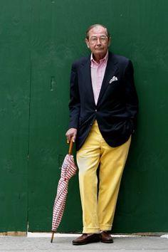 El estilo no entiende de edades, usar 4 colores es arriesgado pero si sale bien el resultado en más que perfecto. Old preppy.