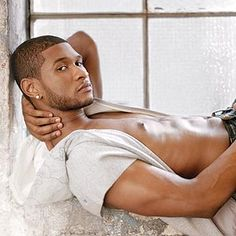Usher- Oh oh oh oh oh oh OH MY GOD. Pun freakin' intended. This man is sooooo SEXAAAAYYYY!