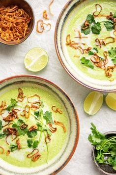 Culy Homemade: fragrant Thai broccoli soup with coconut milk (vegan) - Culy.nl - Culy Homemade: fragrant Thai broccoli soup with coconut milk (vegan) – Culy. Whole Foods, Whole Food Recipes, Soup Recipes, Dinner Recipes, Healthy Recipes, Healthy Food, Bio Food, Lunch Restaurants, Vegan Stew