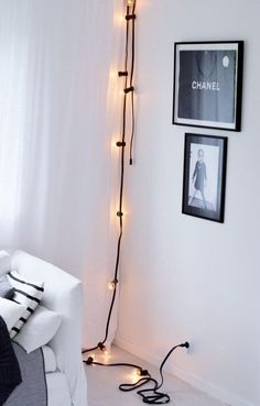 Home Decor Inspiration : Decorating with Light: 10 Pretty Ways Use String Lights Apartment Therapys Decor, Home Decor Bedroom, Home Goods Decor, Decor Inspiration, Light Decorations, Statement Lighting, Black Decor, Living Decor, Diy Lighting