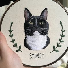 Finally found the perfect color palette for pets with black fur! Portrait Embroidery, Learn Embroidery, Embroidery Hoop Art, Cross Stitch Embroidery, Embroidery Patterns, Thread Painting, Embroidery Techniques, Cross Stitching, Needlework