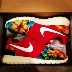 2014 cheap nike shoes for sale info collection off big discount.New nike roshe run,lebron james shoes,authentic jordans and nike foamposites 2014 online. Nike Shoes Cheap, Nike Free Shoes, Running Shoes Nike, Cheap Nike, Jogging Shoes, Nike Outlet, Nike Free Runners, Nike Basketball Shoes, Sports Shoes