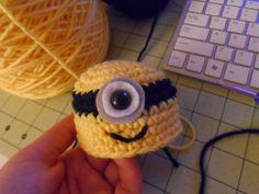 Cómo hacer un minion pulpo de crochet