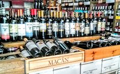 YÁÑEZ la primera franquicia de vinos, destilados y cervezas de autor: El rincón clásico de La Vinatería Yáñez. Franquici...