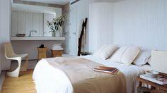 Dormitorio principal con baño incorporado. Promoción de casas ÁBATON en Los Robles