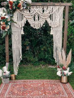 Bohemian Wedding Decorations, Boho Wedding, Wedding Ceremony, Dream Wedding, Decor Wedding, Macrame Curtain, Macrame Design, Macrame Patterns, Event Decor