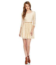 Lace sleeves and belt!!!!!