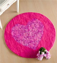 Round Wool Felt Heart Carpet