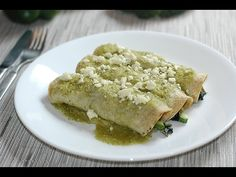 Enchiladas vegetarianas - YouTube Enchiladas Vegetarianas, Cocina Natural, Main Course Dishes, Entrees, Food And Drink, Lunch, Bread, Dinner, Breakfast