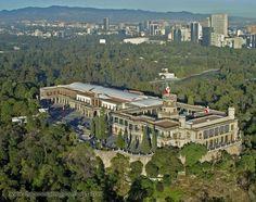 Este es Chapultepec Castle en Ciudad de México.