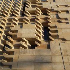 renzo piano clads valletta city gate with vast stone façade - Architect - Arquitectura Stone Facade, Stone Cladding, Brick Facade, Renzo Piano, Brick Design, Facade Design, Gate Pictures, Facade Architecture, Chinese Architecture