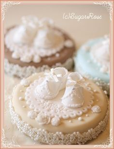 上級クラスのベビーシューズ の画像|シュガーローズ 大阪 東京 シュガーアート教室 シュガークラフト アイシングクッキー カップケーキ ケーキポップス