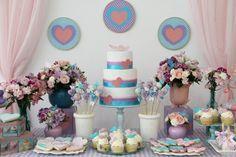 A festa de aniversário feminina projetada por Fabiana Moura…