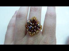 En este vídeo os enseño a hacer un fácil y rápido anillo con rocallas y superduos.