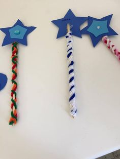 Toddlers And Preschoolers, Fun Crafts To Do, Craft Stick Crafts, Crafts For Kids, New Years Eve Fireworks, 4th Of July Fireworks, Marker, Diy Silvester, Fireworks Craft For Kids