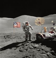 Cernan, commander of NASA's Apollo 17 mission, set foot on the lunar surface in December 1972 during his third space flight. Moon Missions, Apollo Missions, Programa Apollo, Eugene Cernan, Apollo Space Program, Nasa Images, Space Race, Man On The Moon, Mode Shop