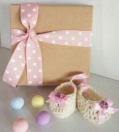 Σε εμάς θα βρείτε  μπομπονιέρες βάπτισης  για κορίτσι! Στις καλύτερες  τιμές  της αγοράς! www.valentina-christina.gr Gift Wrapping, Artemis, Children, Mystery, Gifts, Ideas, Dressmaking, Gift Wrapping Paper, Young Children