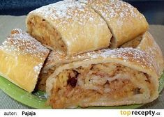 Jablečný závin bez kynutí recept - TopRecepty.cz Czech Recipes, Ethnic Recipes, Eastern European Recipes, Bread Kitchen, Sweets Cake, Italian Dishes, Cookbook Recipes, Hot Dog Buns, Food And Drink