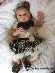 Reborn doll baby girl **Chloe** Linda Murrys Krista in Dolls & Bears, Dolls, Reborn Real Baby Dolls, Cute Baby Dolls, Reborn Baby Dolls, Cute Babies, Baby L, Baby Kids, Reborn Nursery, Silicone Baby Dolls, Realistic Dolls