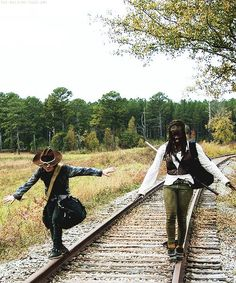 Chandler Riggs (Carl) and Danai Gurira (Michonne) does anyone else love how playful michonne is with him?