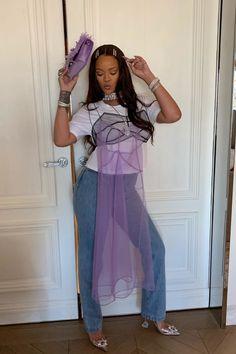 Rihanna& Sheer Dress Is Pretty, but Have You Seen Her Cinderella Heels? Rihanna Outfits, Rihanna Photos, Rihanna Fashion, High Fashion, Rihanna Looks, Rihanna Riri, Rihanna Nails, Saint Michael, Aaliyah