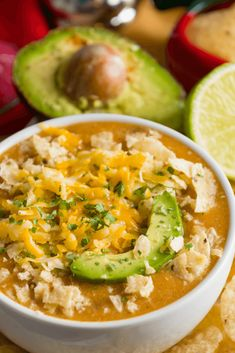 Keto Crockpot White Shredded Chicken Chili-Easy Low Carb Slow Cooking Dinner - Looking for a keto dinner recipe that's low carb high in flavor & easy to prep for the crockpot? This Keto Crockpot White Chicken chili is the best! Keto Crockpot Recipes, Healthy Crockpot Recipes, Chili Recipes, Slow Cooker Recipes, Diet Recipes, Crockpot Ideas, Cooking Recipes, Mexican Recipes, Recipes Dinner