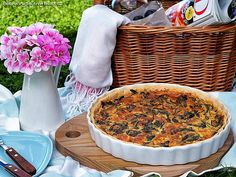 Houbovo-sýrový koláč se smetanou a špenátem – PĚKNĚ VYPEČENÝ BLOG Apple Pie, Acai Bowl, Breakfast, Desserts, Blog, Acai Berry Bowl, Morning Coffee, Tailgate Desserts, Deserts