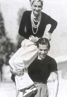 Un 19 de Agosto de 1883 nació en Francia Gabrielle Bonheur (Coco Chanel). La recordamos como sinónimo de estilo y elegancia.