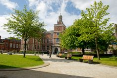 The Students' Union.  Take a virtual tour of the outside - http://ht.ly/rWNan