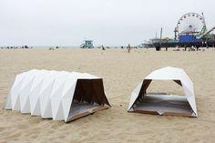 Я в домике http://tutdesign.ru/cats/arhi/8922-ya-v-domike-2.html Бюджетный способ сделать мир лучше с помощью картонных палаток. #tent, #cardboard, #flotsam, #homeless