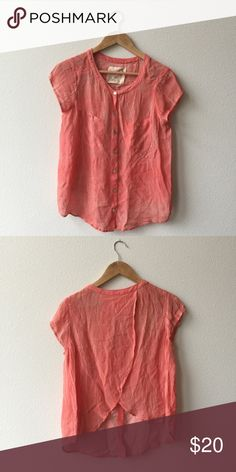 Free People Dress Shirt This beautiful blouse is in excellent condition! No damage! Smoke and pet free home! No trades! Free People Tops Blouses