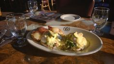 We're showing some gratitude for this sunshine today and featuring a SUNRISE BENEDICT WEEKEND SPECIAL at Daniel's Broiler at Leschi!  *Two cage free eggs poached served on a bed of sautéed spinach and English muffin with bacon. Topped with an avocado hollandaise. Served with crispy red potatoes.*  Call 206.329.4191 to make reservations, today!