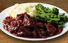 Maggi® So Juicy® Beef & Red Wine with mashed potato, broccoli and peas
